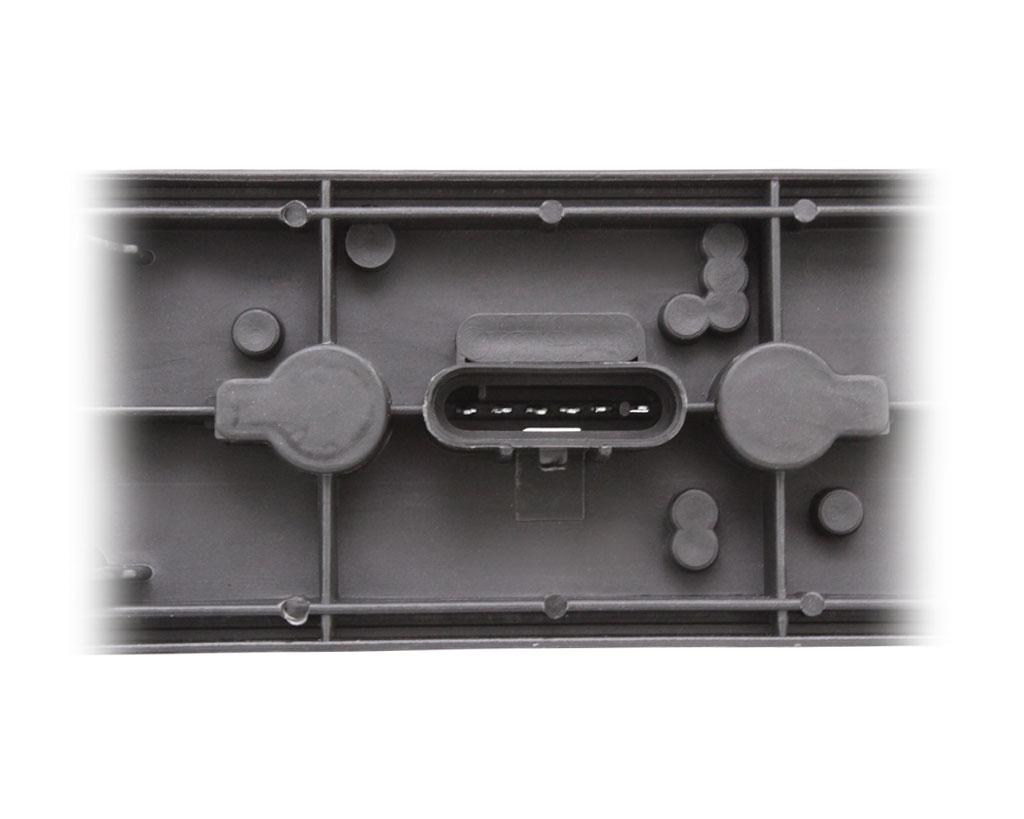 birnen fassung f r ckleuchte links o rechts f r iveco. Black Bedroom Furniture Sets. Home Design Ideas